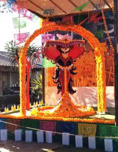 Queen Muerta decoration at Fiesta de Reyes